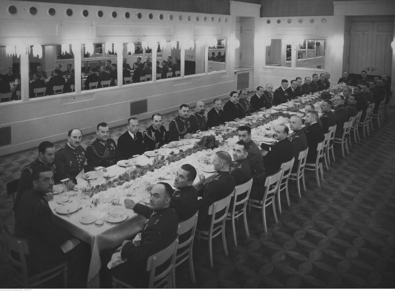 Gdzie Co I Za Ile Jadano Przed Wojna W Warszawie Restauracje I